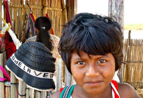 Niña indígena en la Alga Guajira