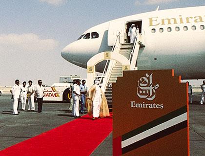 Vuelo inaugural de Emirates en 1985